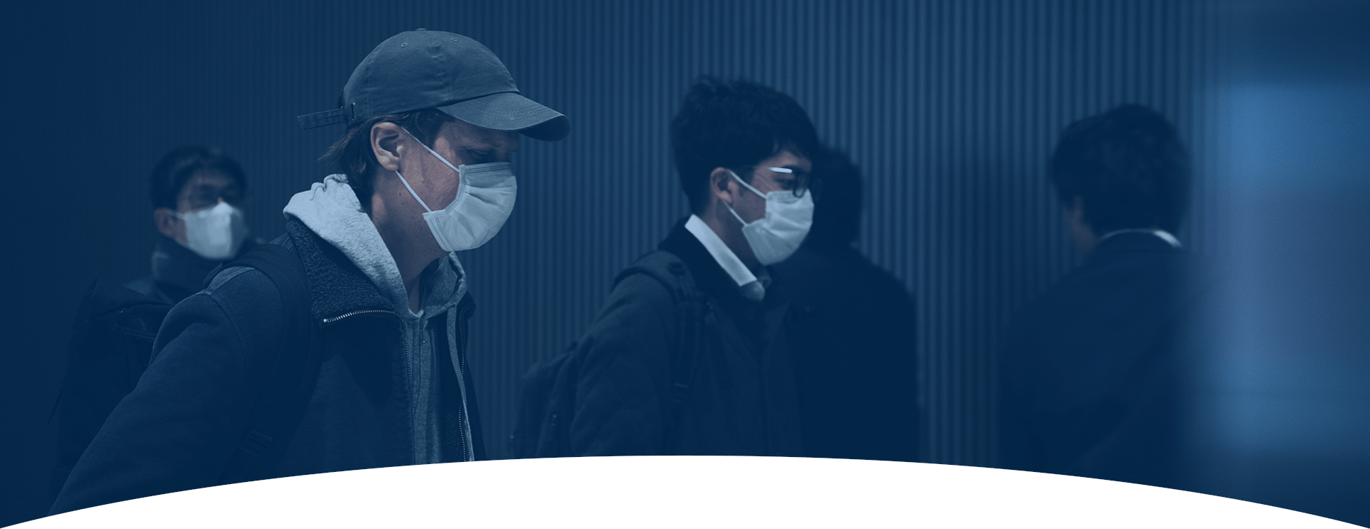 Commuters wearing masks COVID-19 risks